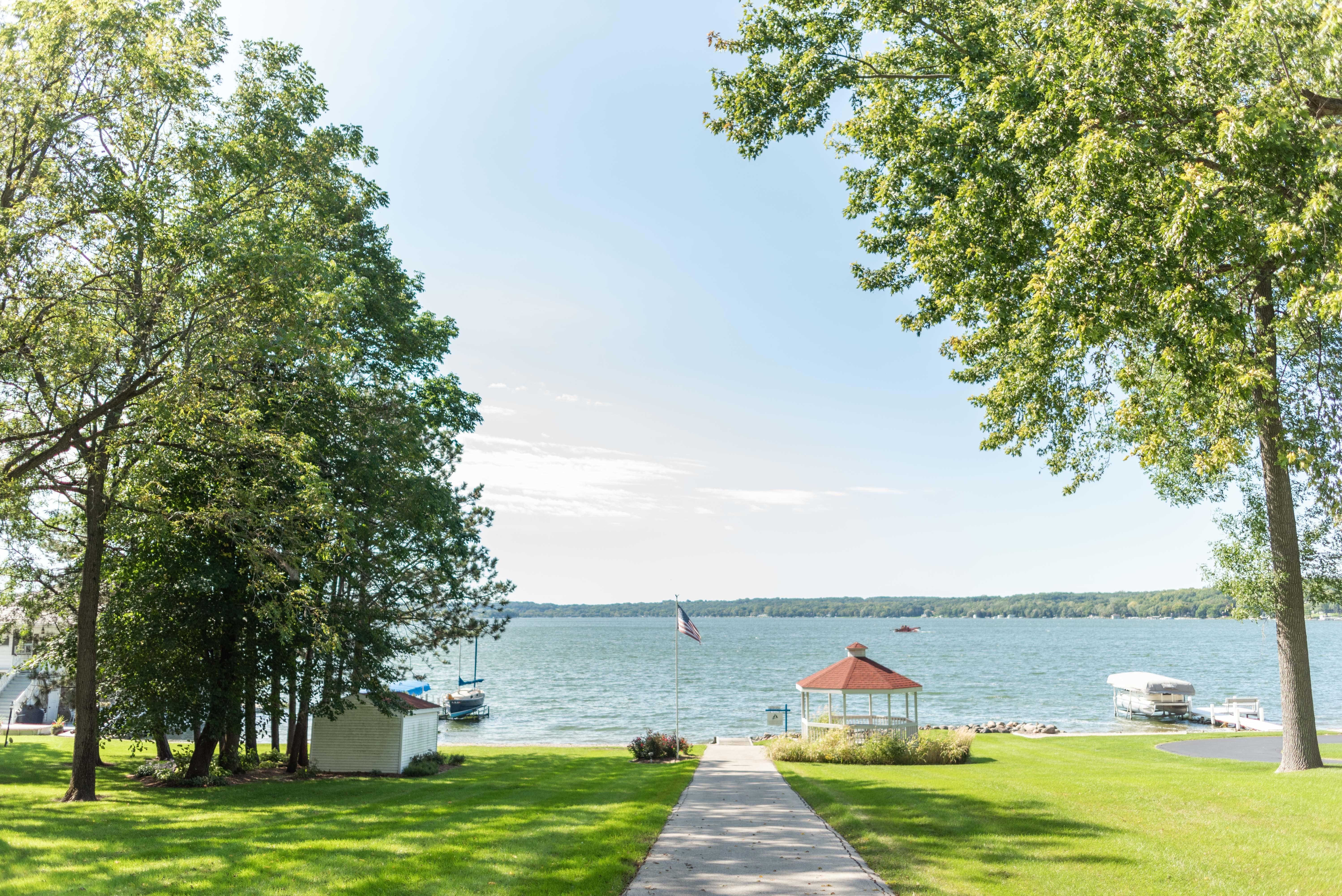 Homes For Sale on Pewaukee Lake Pewaukee Lake, WI Real Estate